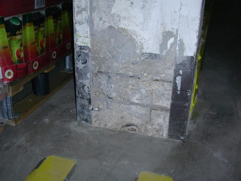 ... Mit Einem Rostschutz Versehen, Die Ausbruchstellen Werden Verfüllt Und  Die Gesamte Betonoberfläche Erhält Eine Schützende Und Dekorative  Beschichtung.